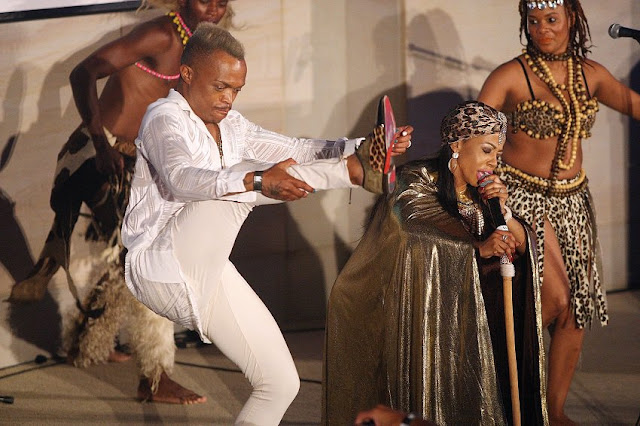 Kelly Khumalo refuses to replace Somizi