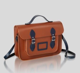 c61f64ddbf23 Рюкзак - это усовершенствованный ранец, который носится на двух лямках, но  ранец несколько удобнее в том отношении, что его не нужно каждый раз  снимать со ...