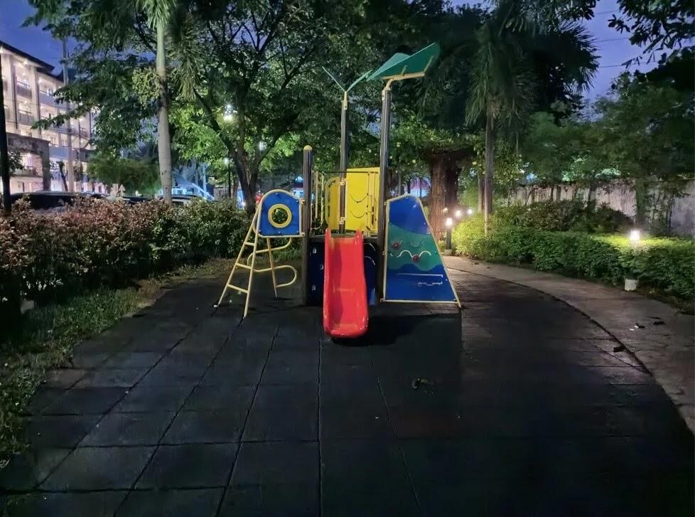 Infinix Hot 10s Camera Sample - Playground, Night, Night Mode