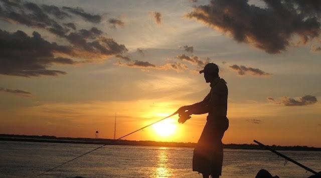 3 Cara Menghemat Umpan Ikan Saat Memancing