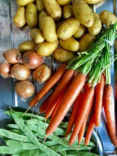 Katis Rezeptgeschichten, Gemüse, Hühnchen aus der Auflaufform, Familiengericht, Partyrezept