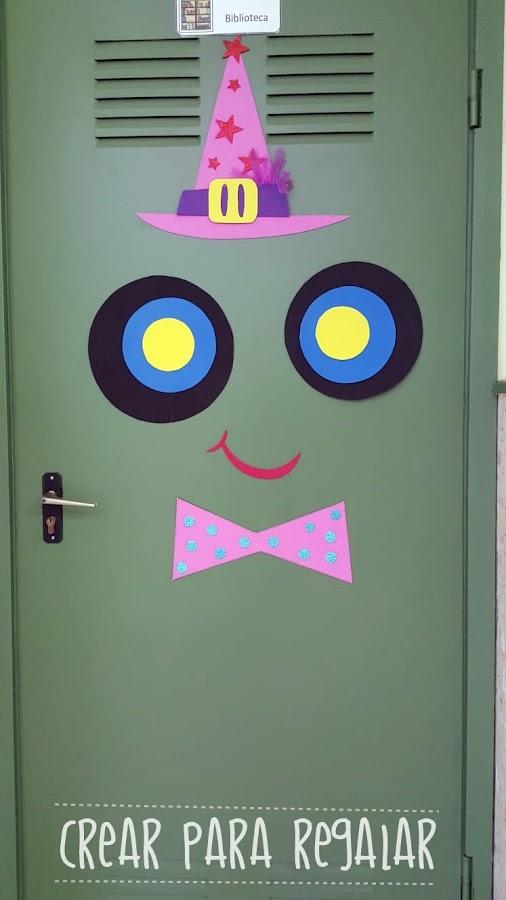 puerta decorada bruja halloween