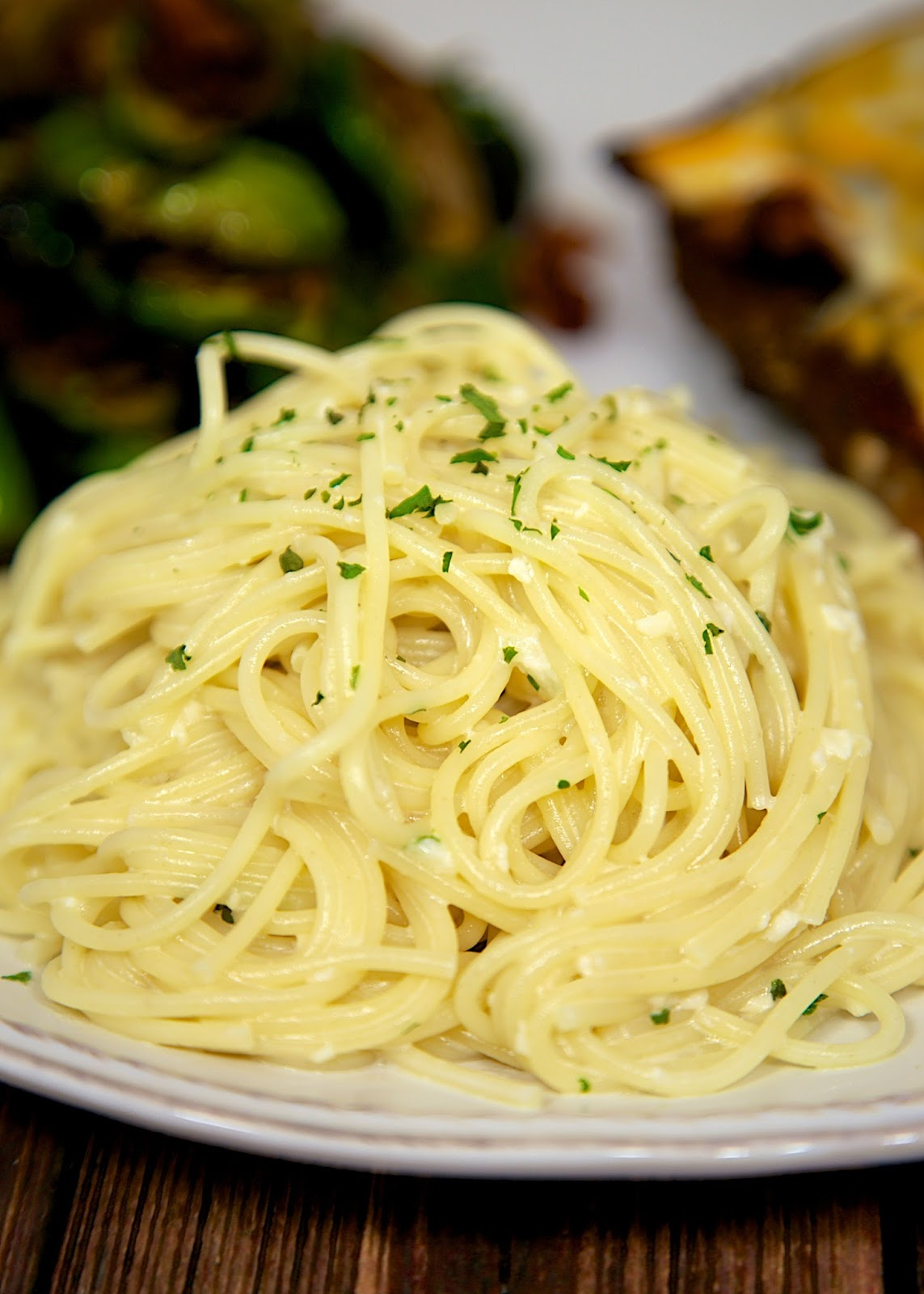 Lemon Vermicelli - quick side dish with only 5 ingredients! Pasta, heavy cream, butter, lemon juice and Parmesan - so delicious! I could make a meal out of this pasta!