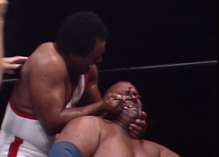 NWA Starrcade 83: A Flare for the Gold - Carlos Calon attacks Abdullah the Butcher