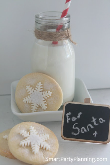 http://smartpartyplanning.com/easy-shortbread-snowflake-cookie-recipe/