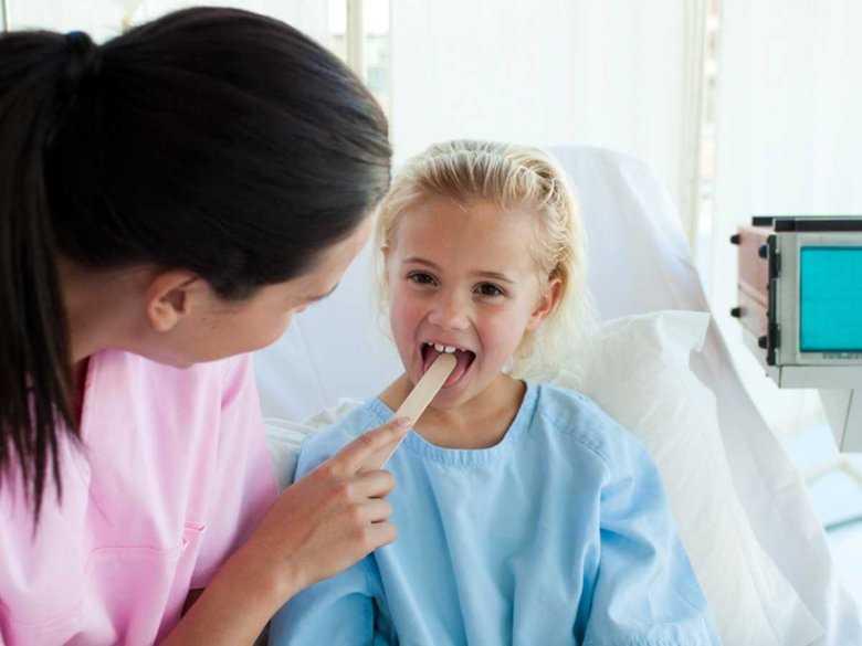 Wycinanie migdałków u dzieci- zastanów się dwa razy!