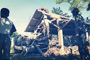 Halangi Sirkuit, Warga Bongkar Sendiri Bangunan Rumahnya