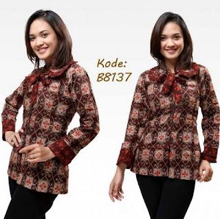 Model Baju Batik Kantor Wanita Lengan Panjang Elegan