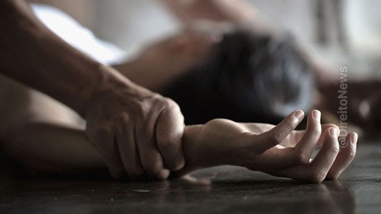 fugir juri reu juiz ignore feminicidio