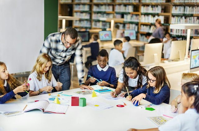શિક્ષણ:ઓનલાઇન કે ઓફલાઈન, એક મૂંઝવતો પ્રશ્ન