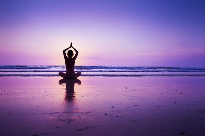 Essay on Yoga in Hindi | योग पर निबंध 10 lines,200,300 और 500 शब्द