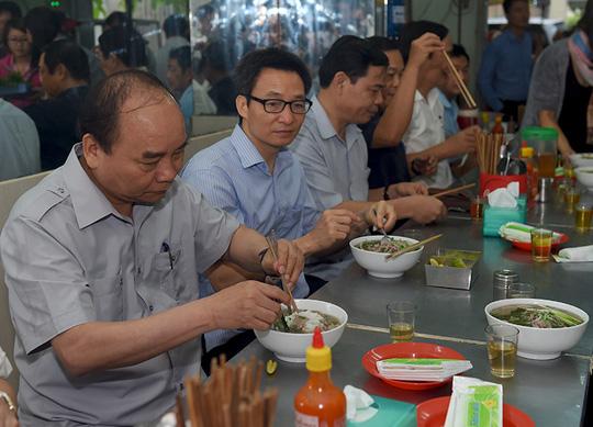 Thủ tướng Nguyễn Xuân Phúc - tấm gương về sự gần dân!
