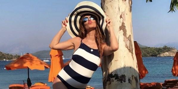 Tülin Şahin, hamileliğinin 6. ayında mayolu fotoğrafını paylaştı!