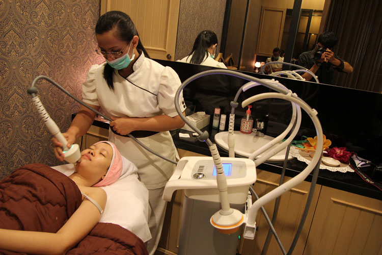 Radio Frequency Treatment at Beauty Couture - Stella Lee
