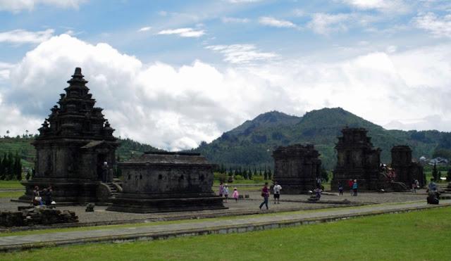 Wisata Dataran Tinggi Dieng Jawa tengah