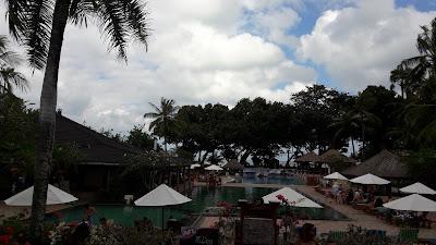 kolam renang hotel jayakarta