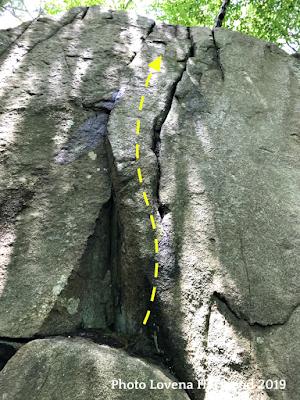 crack climb, pink floyd wall, redrocks, gloucester, MA. rock climbing