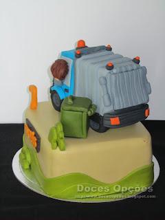 Bolo de aniversário camião do lixo bragança