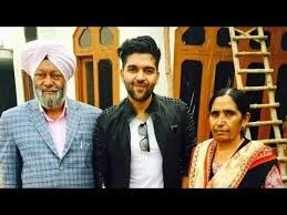 Guru Randhawa with his Family