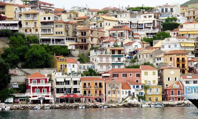 Η καρδιά του τουρισμού της Ηπείρου χτυπά δυνατά στην Πάργα, την πανέμορφη κωμόπολη του νομού Πρέβεζας με τους περίπου 4.000 κατοίκους, που θυμίζει νησί.