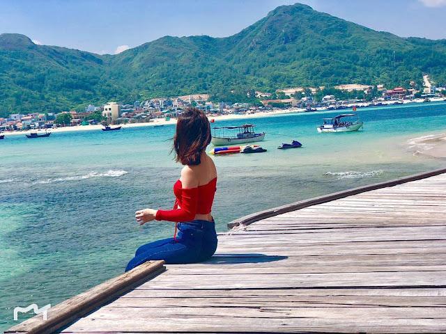 """Cầu Gỗ Hòn Khô lọt vào danh sách top 5 """"con đường giữa biển đẹp nhất ở Việt Nam"""""""