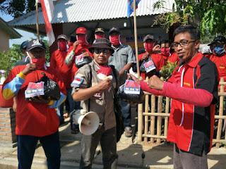 Cirebon e satu.com Lawan Corona, SNT Indramayu Kompak Semprot Disinfektan dan Bagikan Paket Sembako