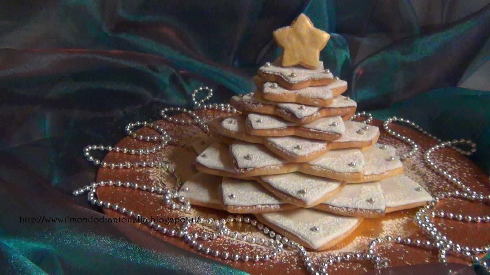 Albero Di Natale Fatto Con I Biscotti.Il Bellissimo Mondo Di Antonella Decorating Albero Di Natale Fatto