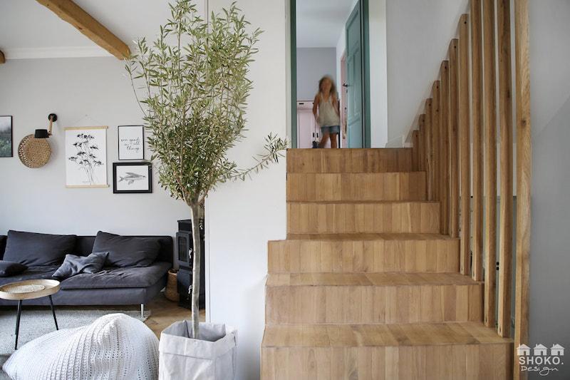 Escalera de madera sin barandilla