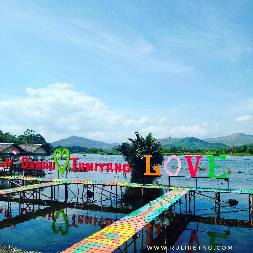 Danau Tamiyang - Wisata Keluarga Hemat di Banjar  ruliretno.com