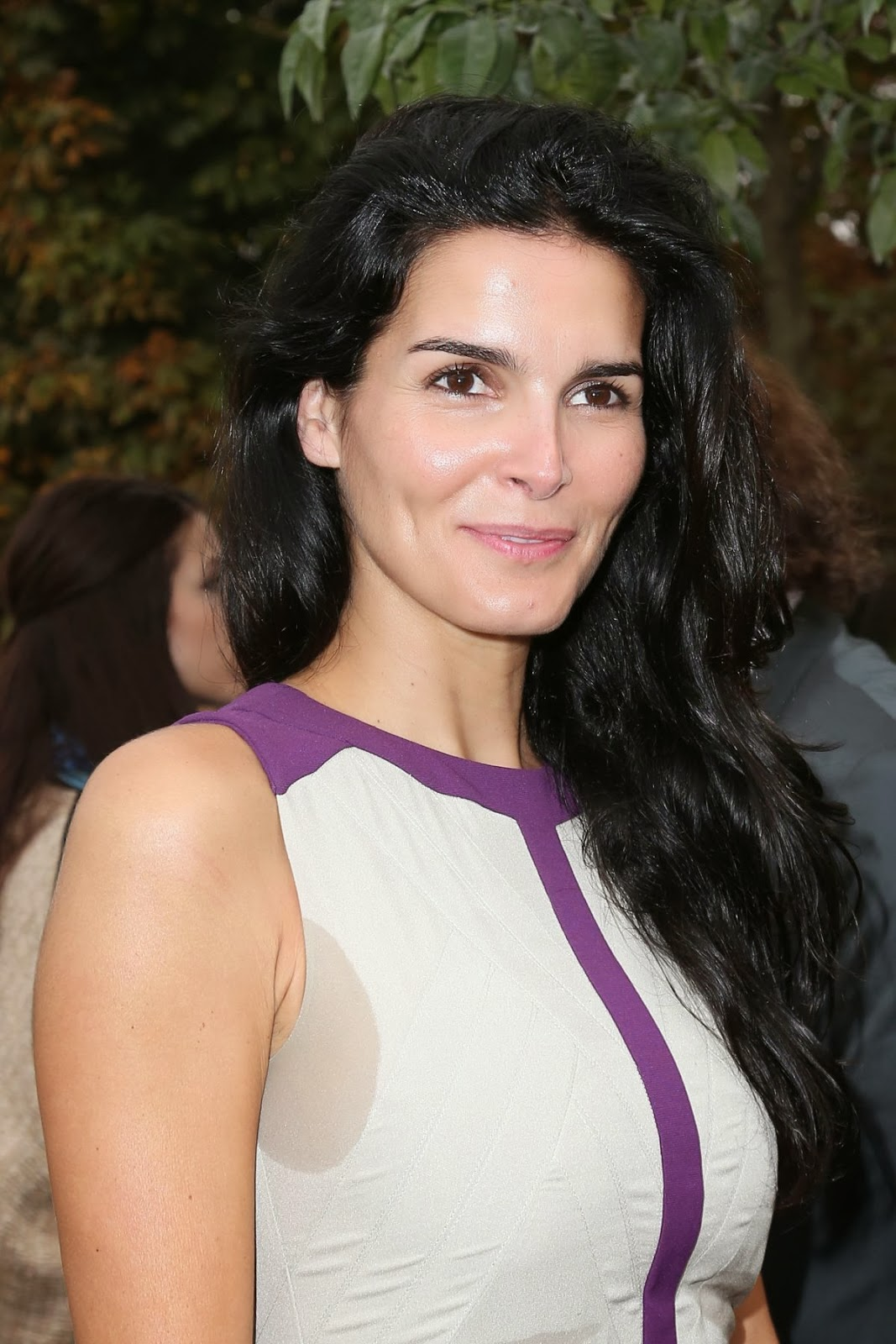 Angie Harmon At More Magazine September 2013: Latest Celebrity Photos: Angie Harmon Wallpapers