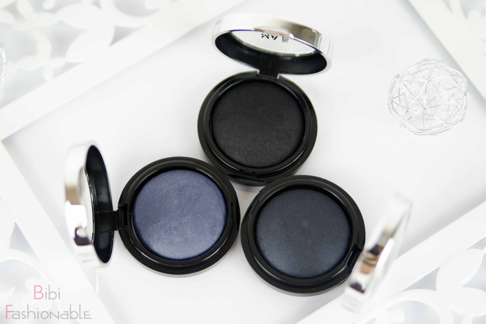 Make Up Factory Dark Elegance of a Swan Eye Shadows