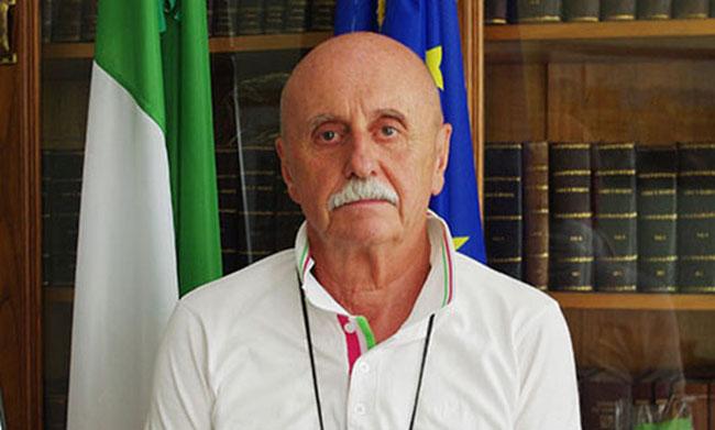 Favria, unione civile tra uomini: il sindaco non celebra