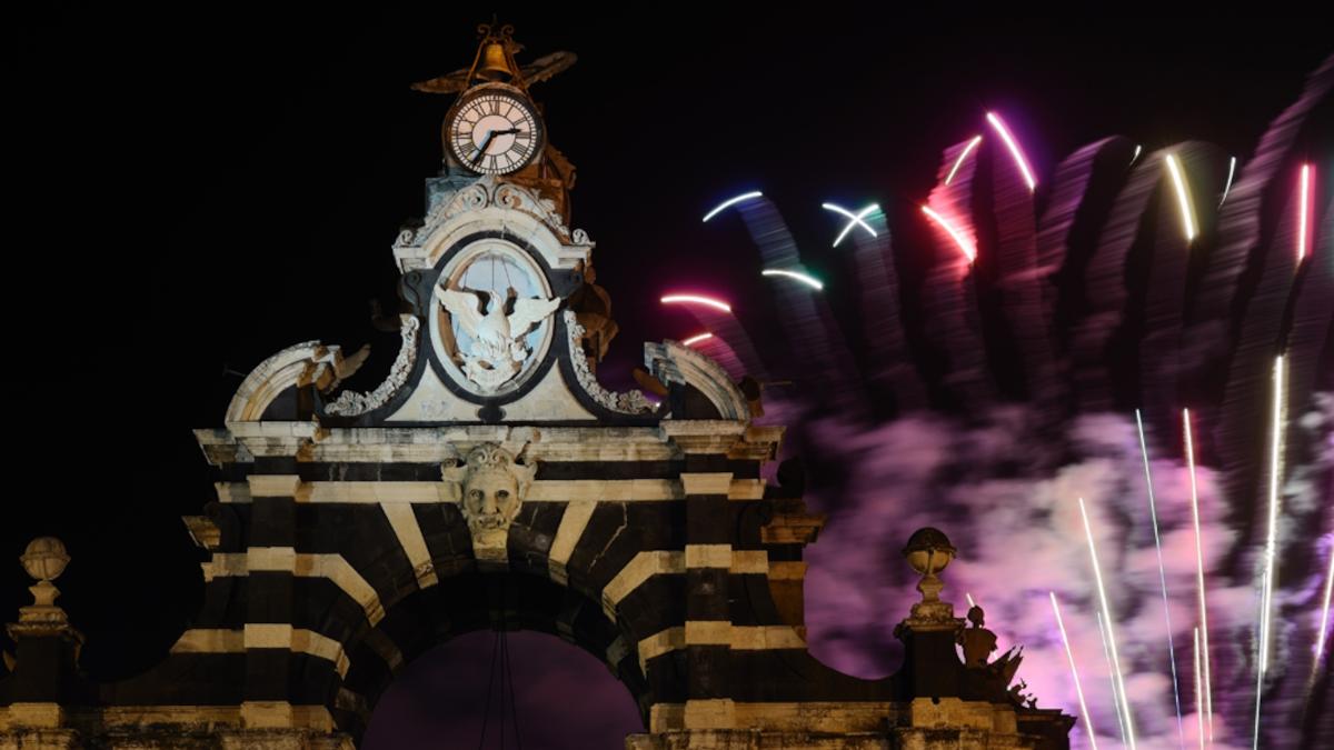 Proposta matrimonio fuochi artificio Fortino piazza Palestro Polizia di Stato