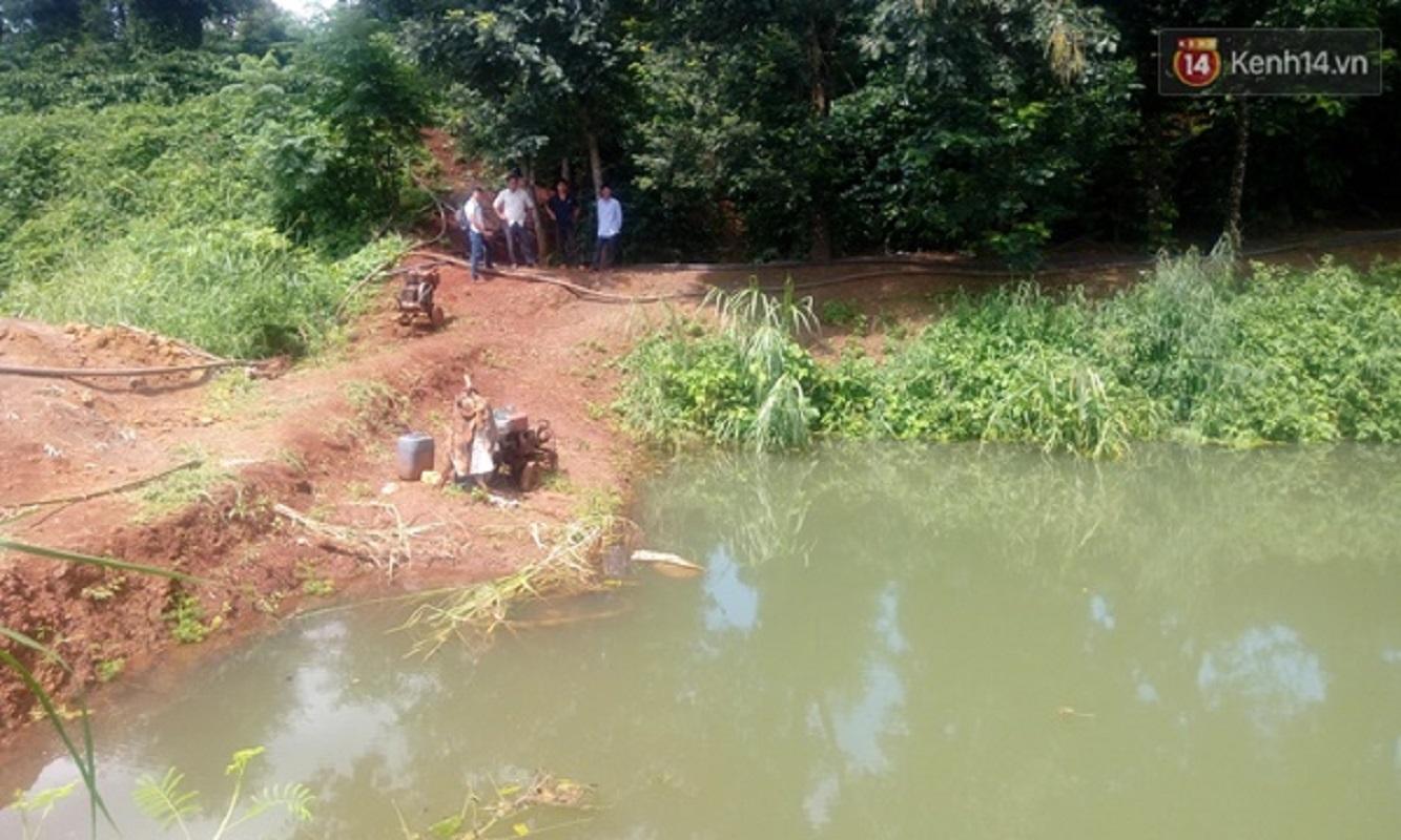 Gia Lai: Phát hiện thi thể cha và 2 con nhỏ dưới hồ nước