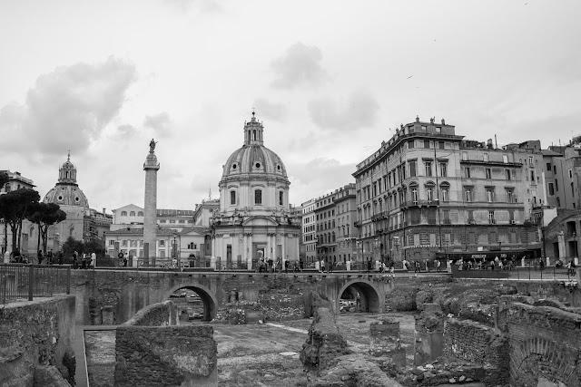 La Basilica Ulpia e la Colonna di Traiano nel complesso del Foro di Traiano
