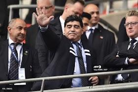 BREAKING NEWS, Legenda Sepak Bola Argentina Diego Maradona Meninggal Dunia