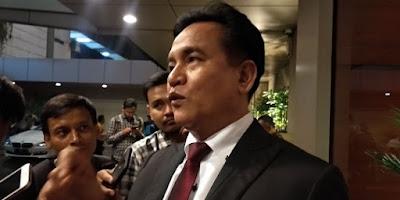 Yusril Sambut Bail Pendaftaran Sengketa Pilpres Kubu Prabowo-Sandi Ke MK