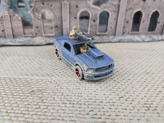 A Gaslands car with twin MGs