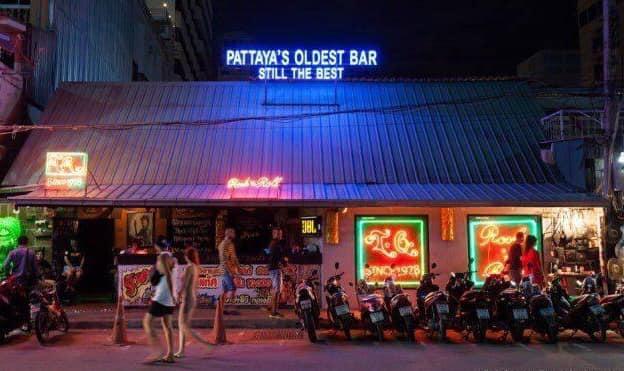 *Ảnh kèm là quán bar lâu đời nhất ở Pattaya, The Tahitian Queen, vừa tuyên bố phá sản hôm qua!