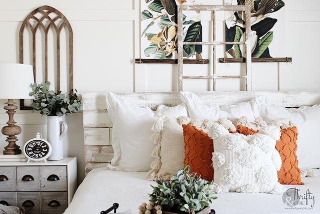 Summer bedroom decor ideas. Bedroom colors. Bedroom paint colors. bedroom decor for small bedrooms. Summer bedroom color ideas. Farmhouse bedroom decor. Bedroom wall decor ideas. Bedroom nightstand decor ideas.