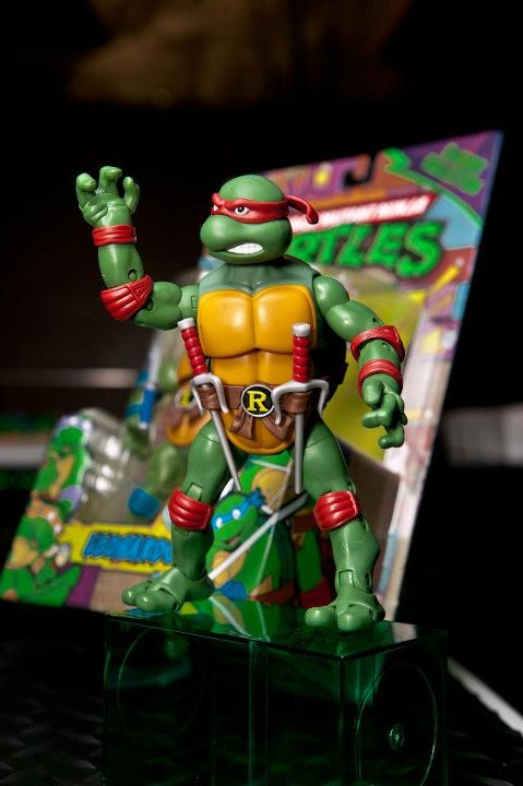 ninja turtle chair toys r us rv furniture dining chairs idle hands toy fair 2012 teenage mutant turtles battle shell 11 figures only available at these fully articulated come with their core weapons that are stored either on