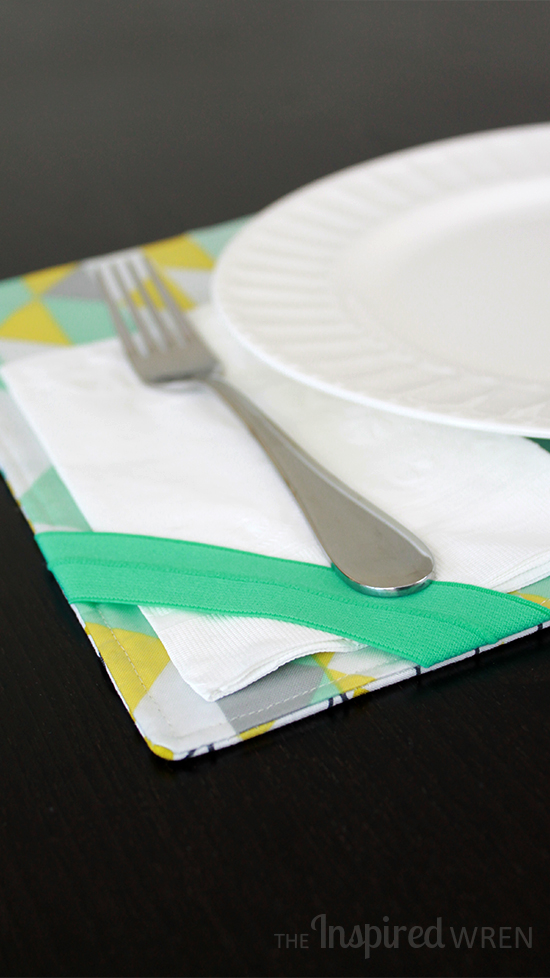Brilliant corner catch for napkins in the wind! | TUTORIAL: Table Setting Placemats | The Inspired Wren