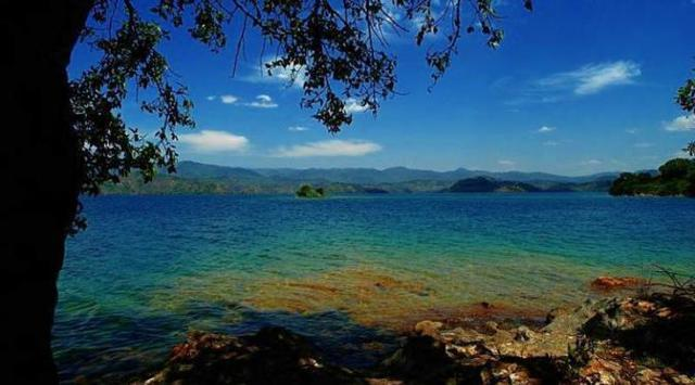 Enam Danau Indah Ini Ternyata Mematikan