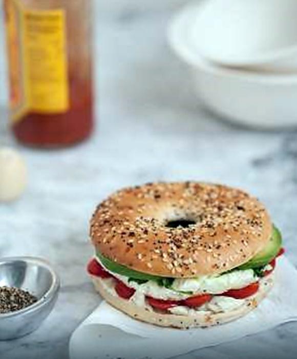 Sandwich De Huevo Y Vegetales