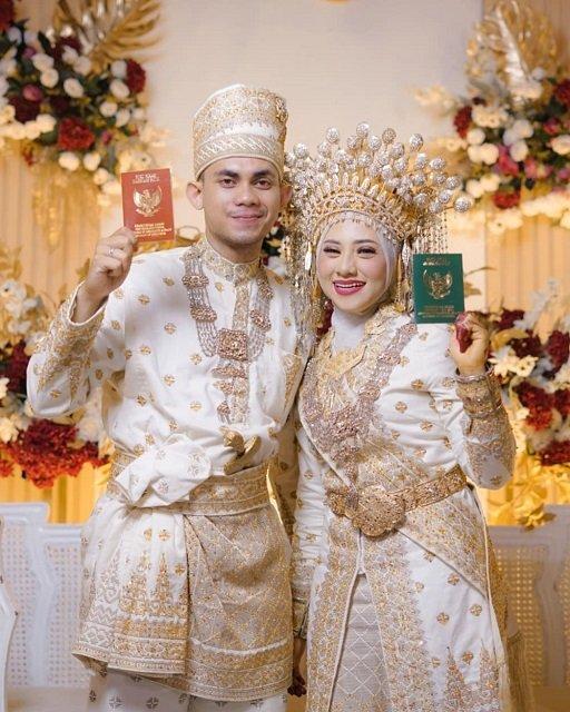 Pakaian Adat Melayu - Provinsi Riau