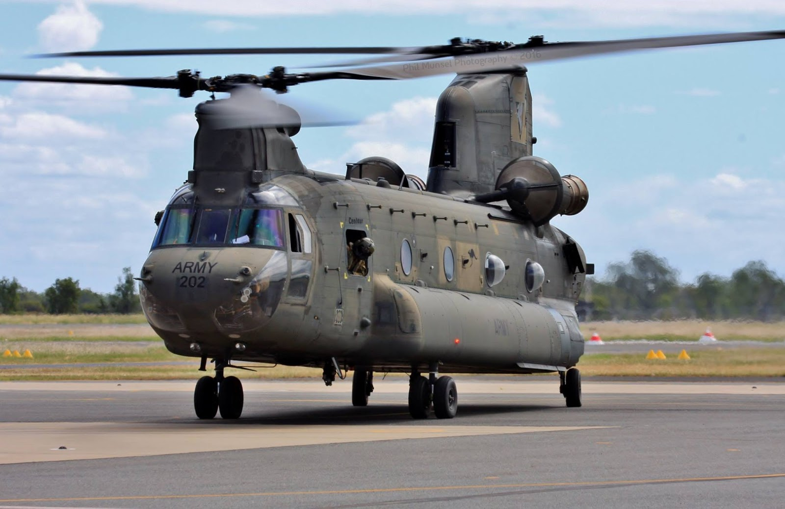 landing helicopter dock australia with Australian Army Boeing Ch 47 Chinook on HMAS Canberra  L02 further Watch further 18 High Tech Warships From The Future That Rule The Seas Today likewise Page 63 further Page 3.