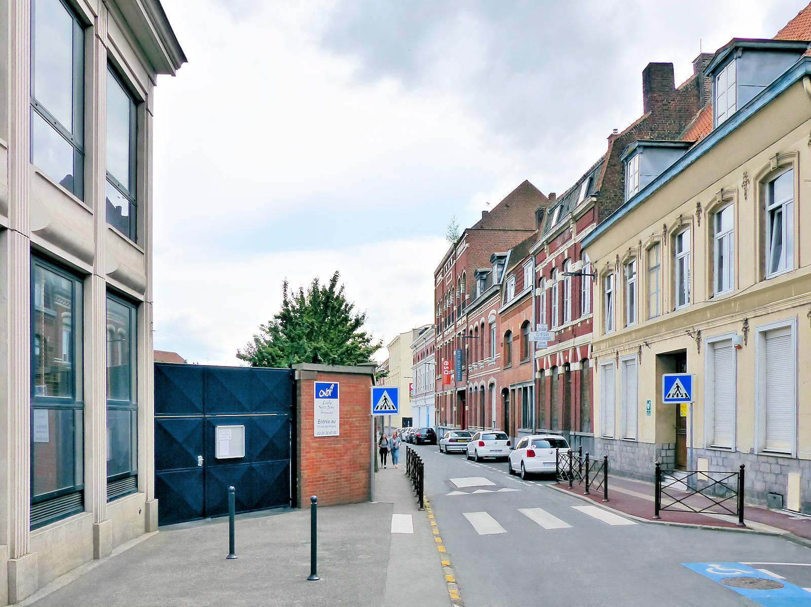 Rue des Ursulines, Tourcoing - Sortie école CNDI