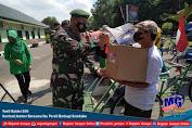 Yonif Raider 509 Kostrad Jember Bersama Ibu Persit Berbagi Sembako