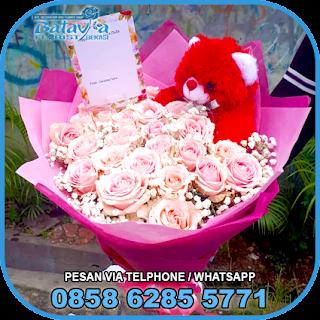 toko-bunga-tangan-bekasi-karangan-bunga-tangan-hand-bouquet-buket-wisuda-pengantin-pernikahan-mawar-matahari-di-bekasi-012