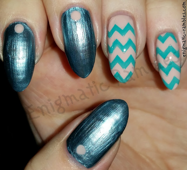 Metallic-Chevron-Nails